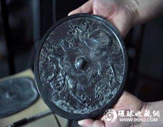 图片:古铜镜