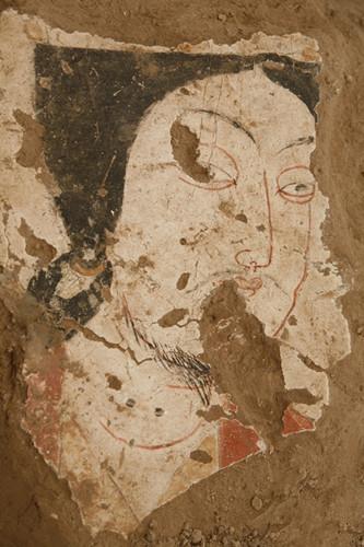 工艺精湛复杂(图)新疆伊犁发掘发现有重要价值的青铜