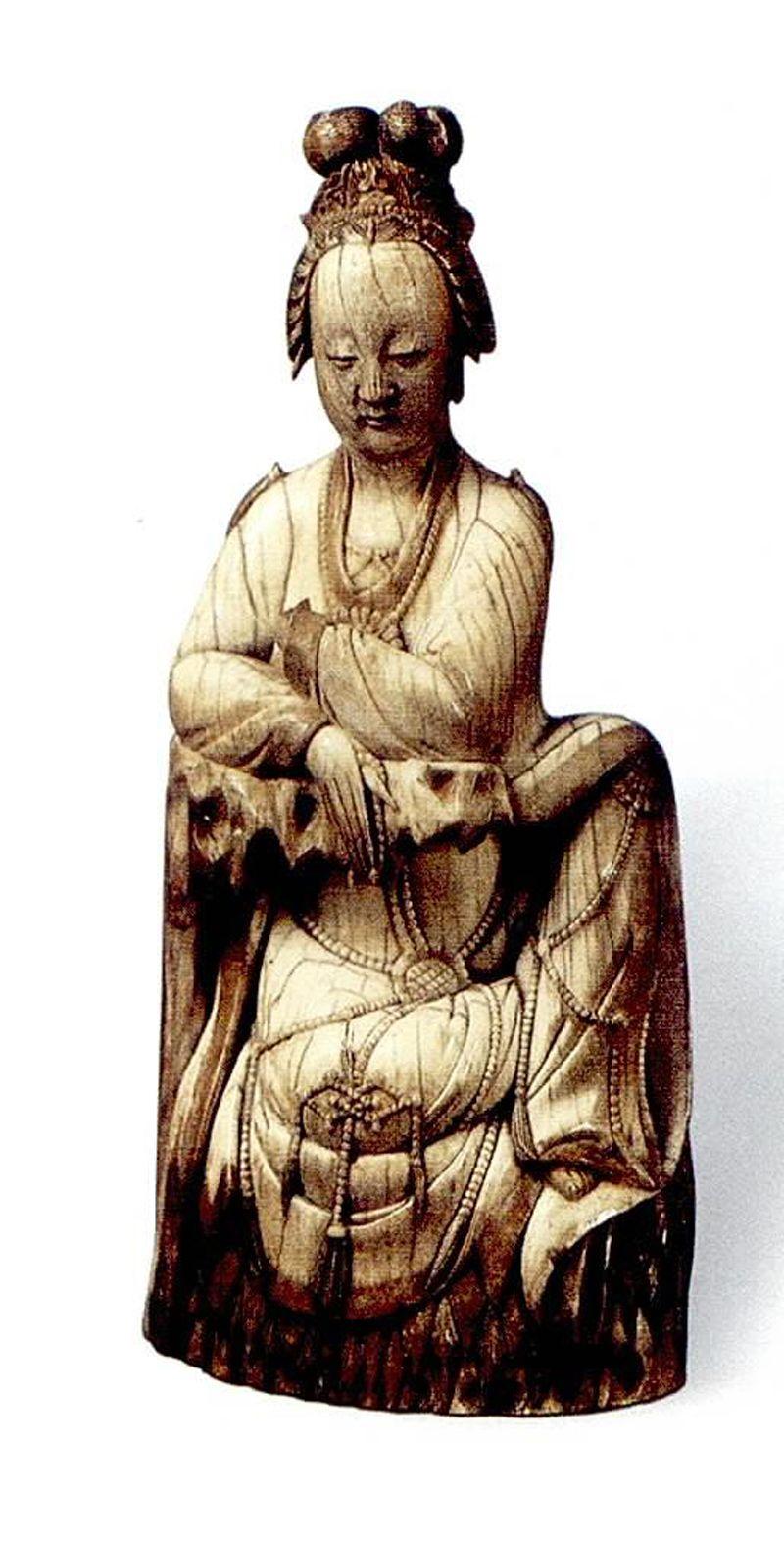 此尊造像代表了明代象牙雕刻艺术的高超技艺.