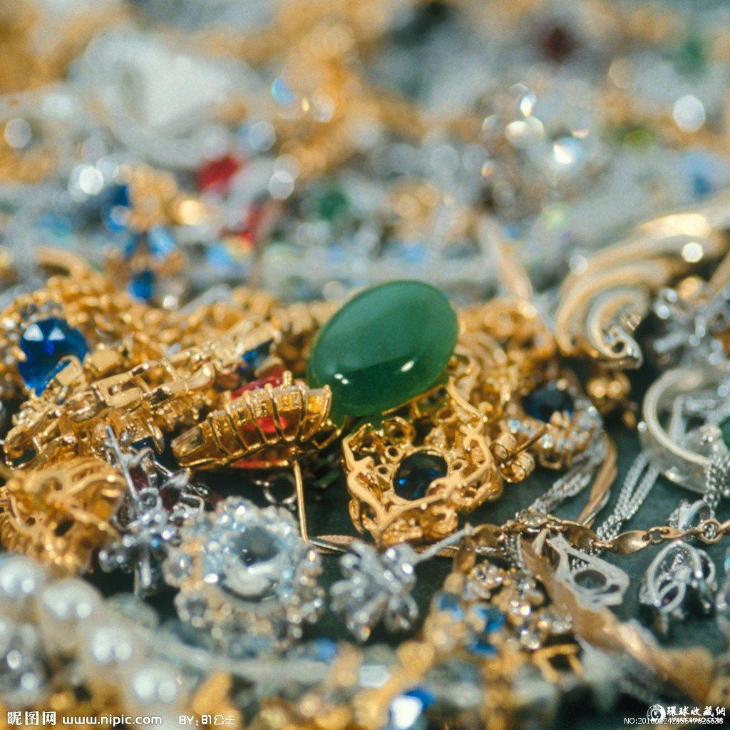 专题:珠宝首饰