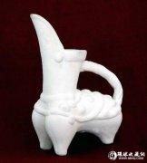 白陶:素胎中的细腻陶瓷