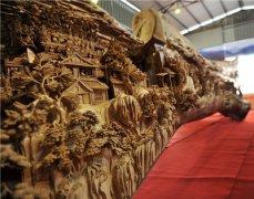 12米《清明上河图》木雕获世界吉